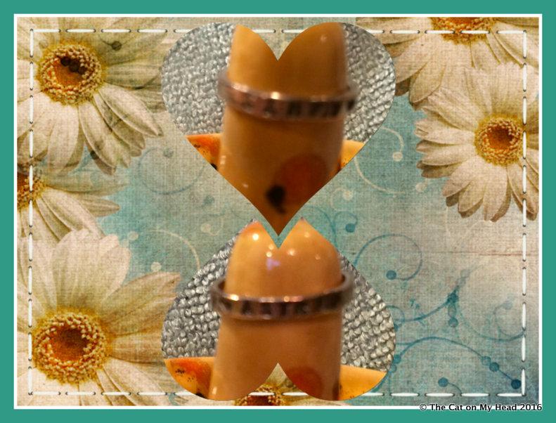 Astrid's wedding ring.